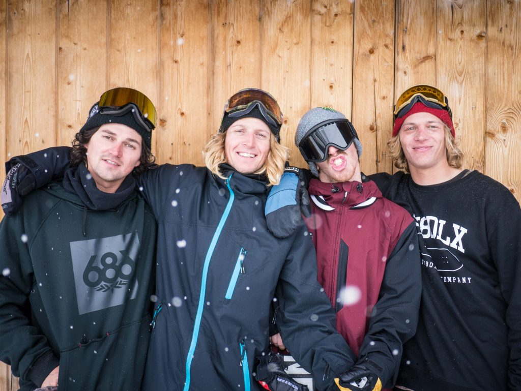 Snowboarders from all over came to see what the fuss was about. Here Steve Küberl, Simon Gruber, Ethan Morgan and Flo Corzelius come to say hi.